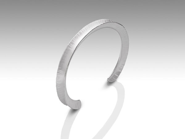 Classic Bangle, narrow by Rauni Higson