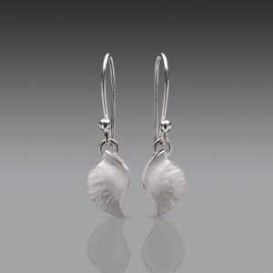 Rauni Higson Conch drop earrings